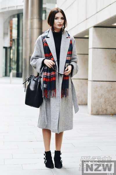 灰色毛呢裙搭配_灰白色大衣搭配图片 灰色大衣搭配图片 - 内地明星 - 明星娱乐资讯