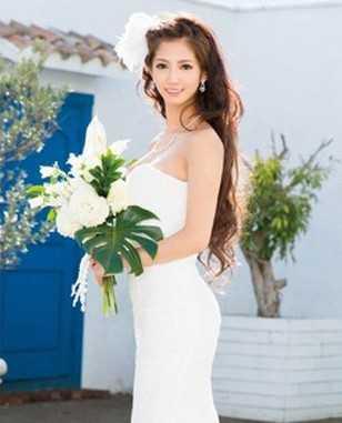 柳岩合成套图 柳岩抹胸裙配豪乳性感写真图片(8P) - 大陆女星- 观颜社